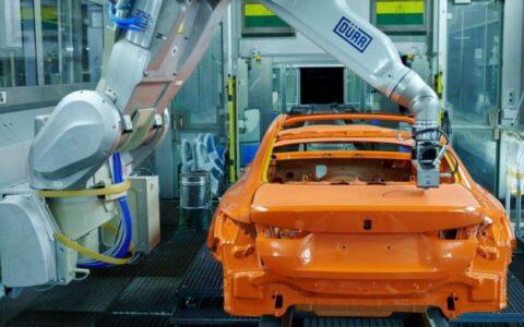 寶馬推出EcoPaintJet Pro車輛塗裝工藝 支持雙色同噴且更均勻